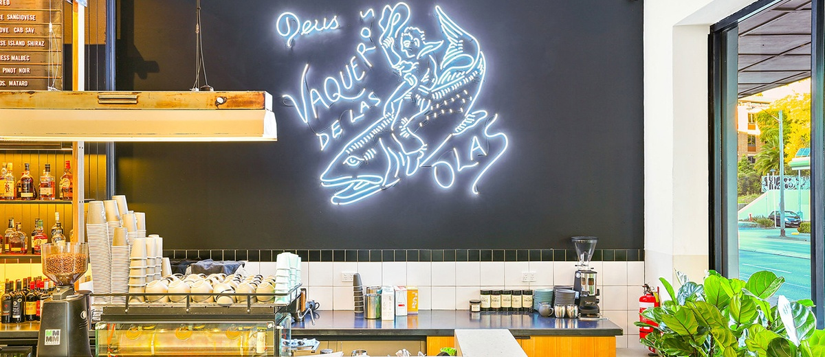 Deus- Cafe-2